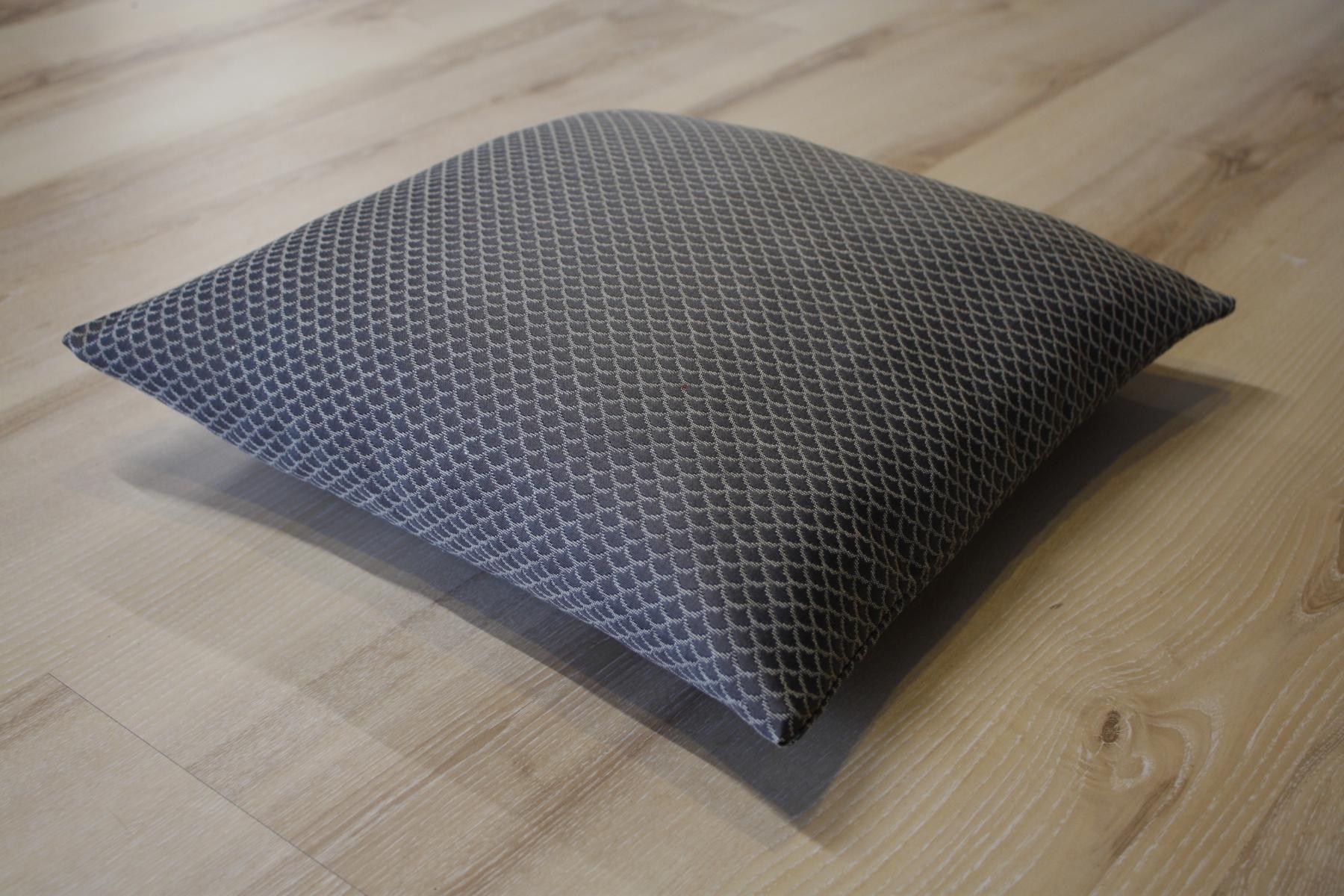 joop teppich grau home image ideen. Black Bedroom Furniture Sets. Home Design Ideas