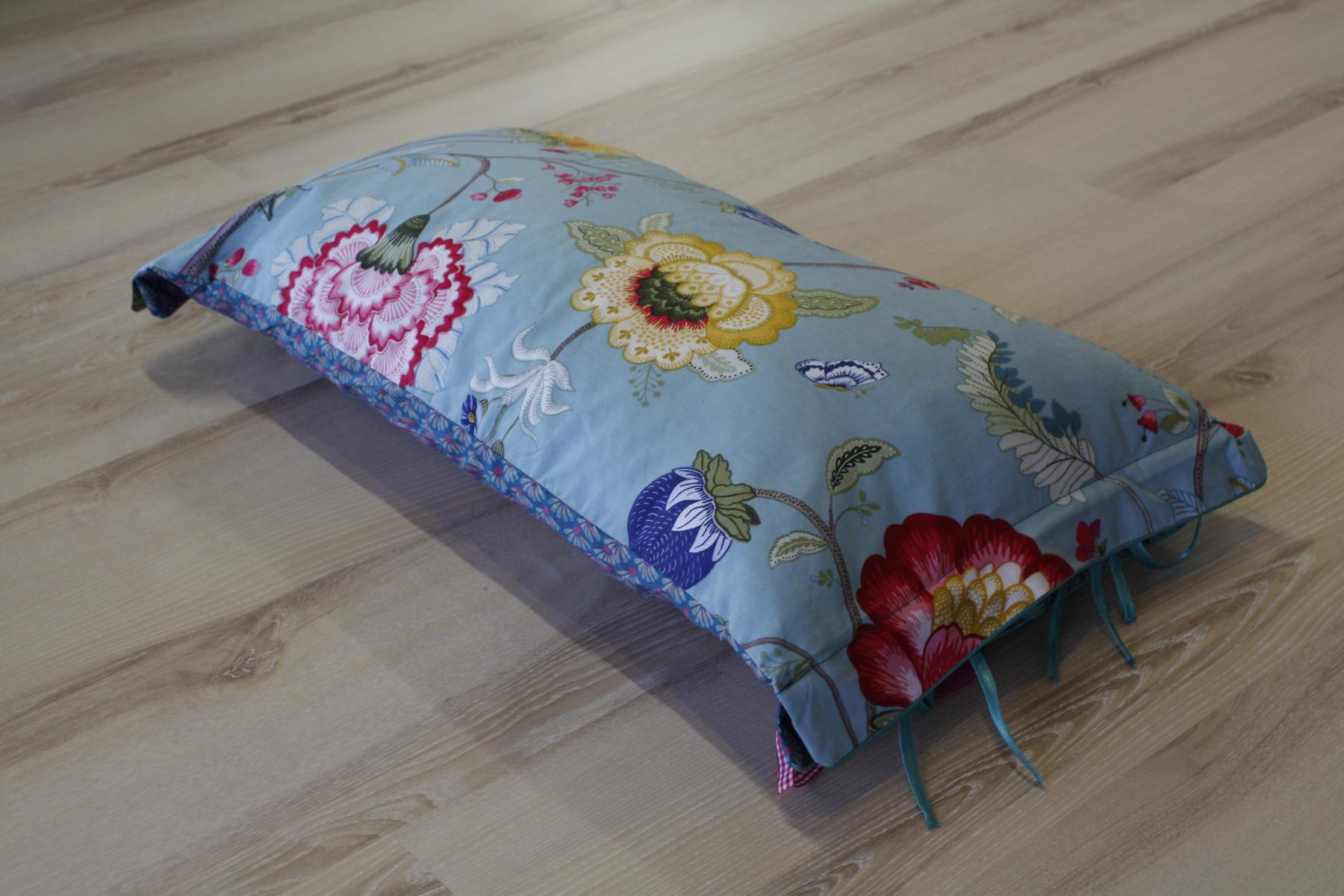 pip studio kissen kopfkissen floral fantasy blue blau. Black Bedroom Furniture Sets. Home Design Ideas