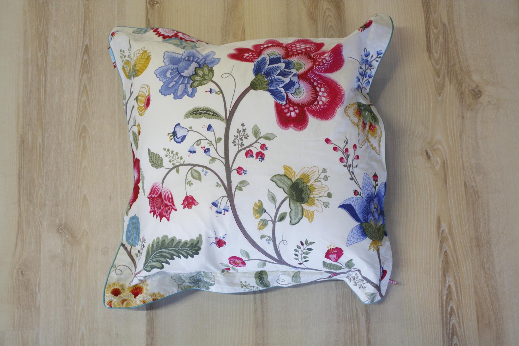 PIP Studio Pillow Head Cushion Blumenmuster Fantasy Ecru