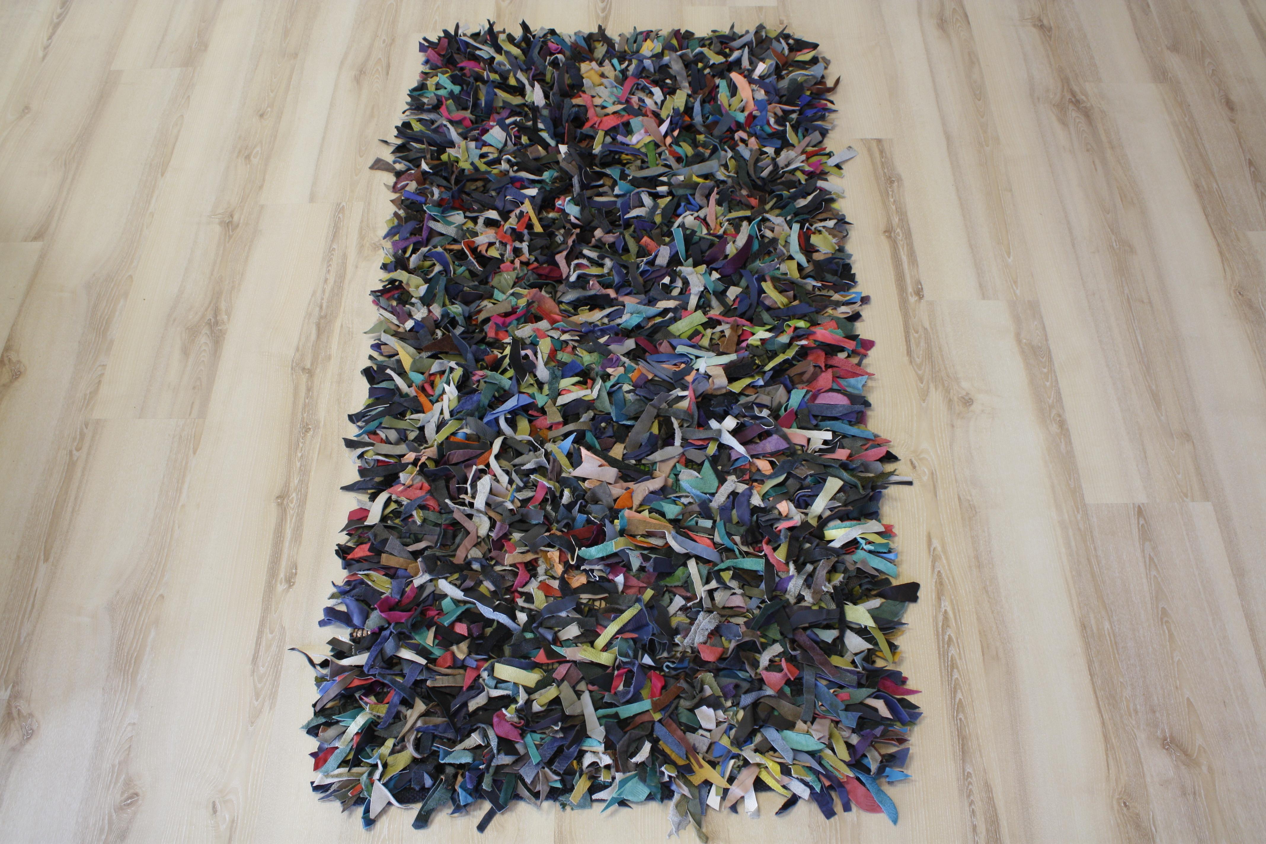 tapis en cuir poil long multicolore 110x170 cm en cuir v ritable. Black Bedroom Furniture Sets. Home Design Ideas