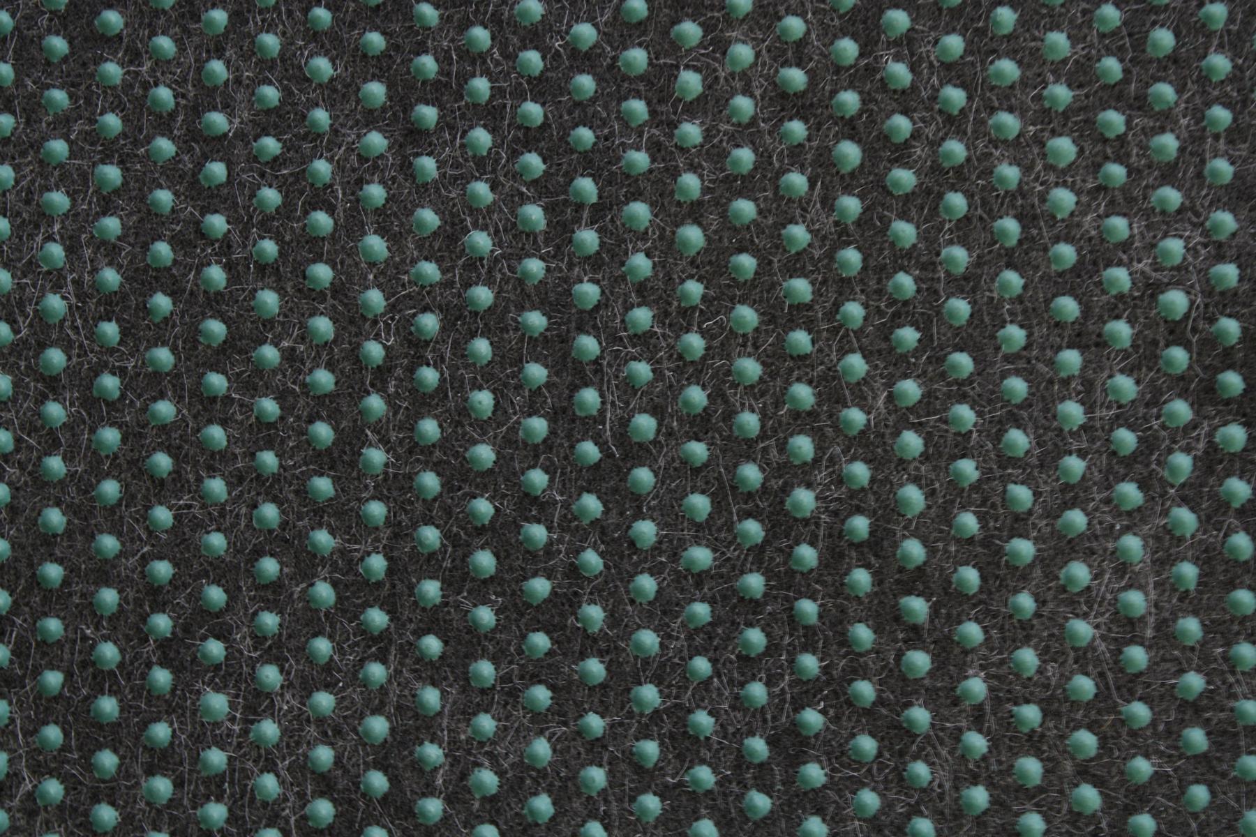 Alfombra c sped c sped artificial comfort negro gris for Alfombra cesped artificial